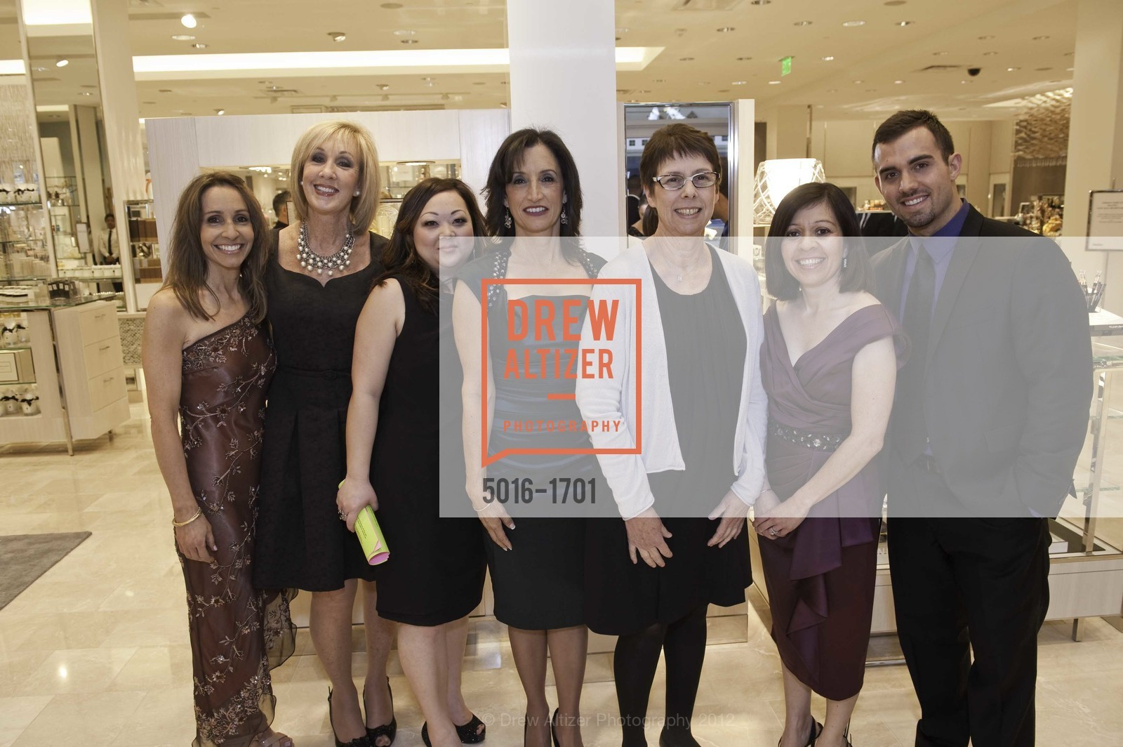 Lisa Cecconi, Carol Alteman, Kimiko Garcia, Luz Borromeo, Nancy Strandberg, Virma Melero, Nick Grutzeck, Photo #5016-1701
