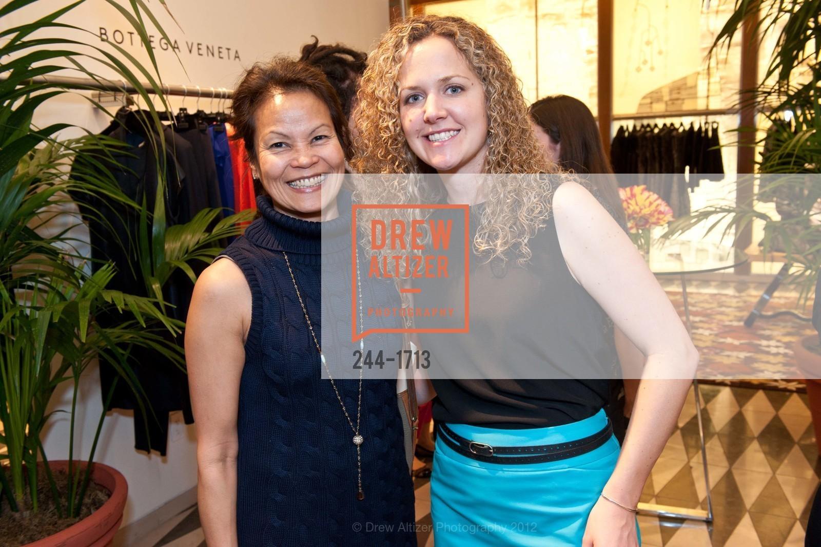Carol Wong, Sarah Hamm, Photo #244-1713