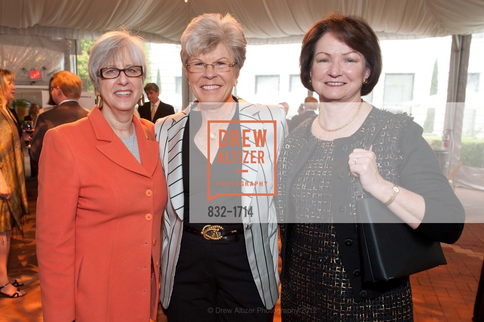 Carol Caspe, Sharon Saunders, Teri Pollitt, Photo #832-1714