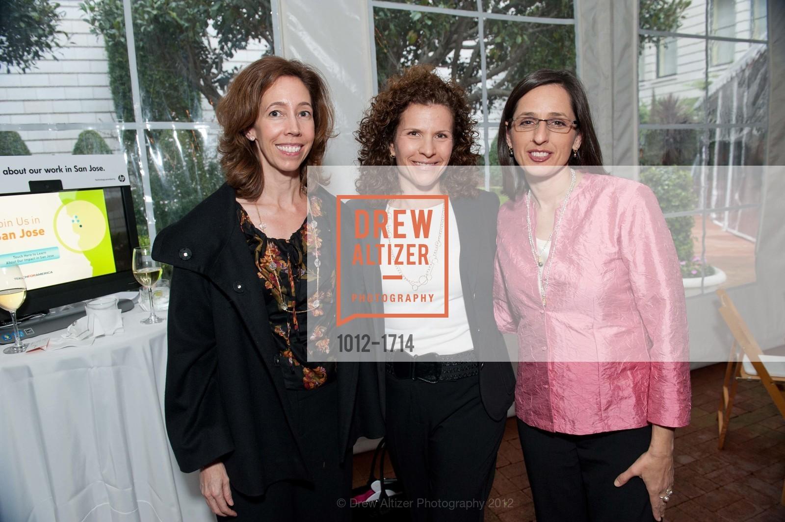 Kathleen Donahue, Mara Wallace, Melissa Kraus, Photo #1012-1714
