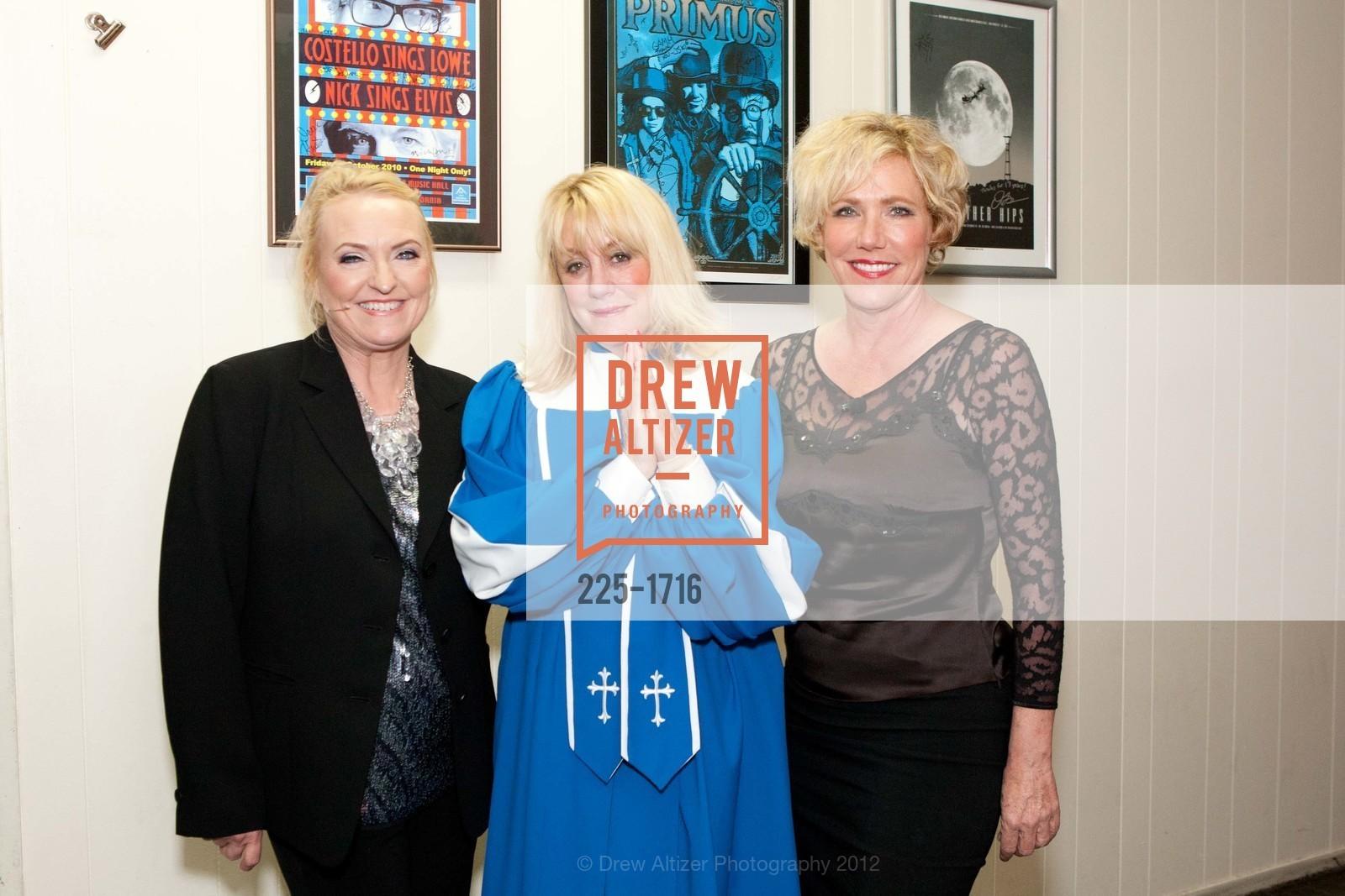 Darcy Owens, Ann McKulla, Karen Saghi, Photo #225-1716