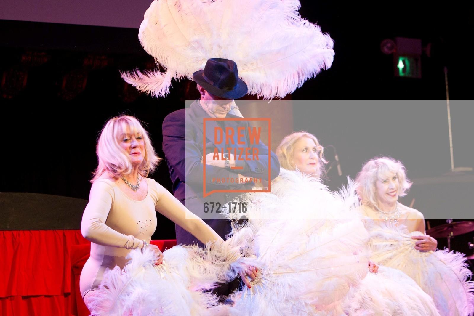 Performance, Photo #672-1716
