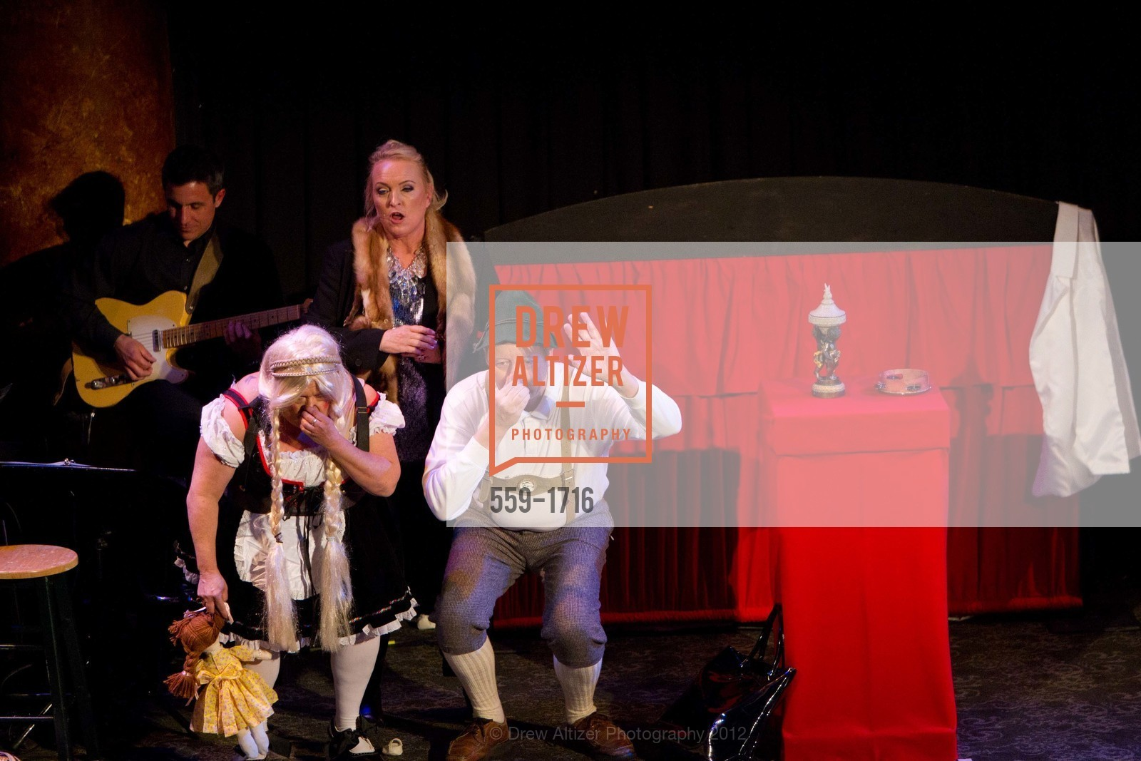 Performance, Photo #559-1716