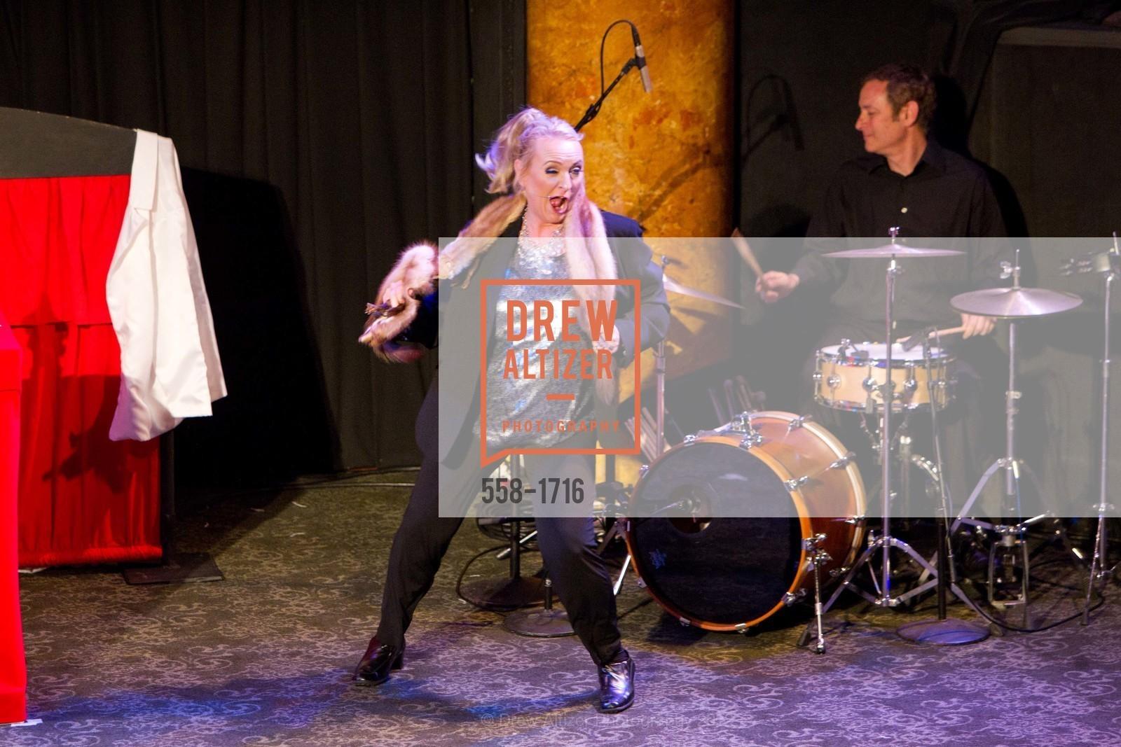 Performance, Photo #558-1716