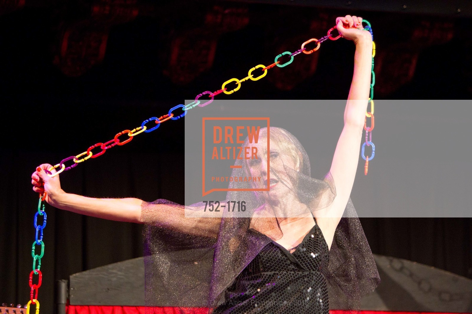 Performance, Photo #752-1716