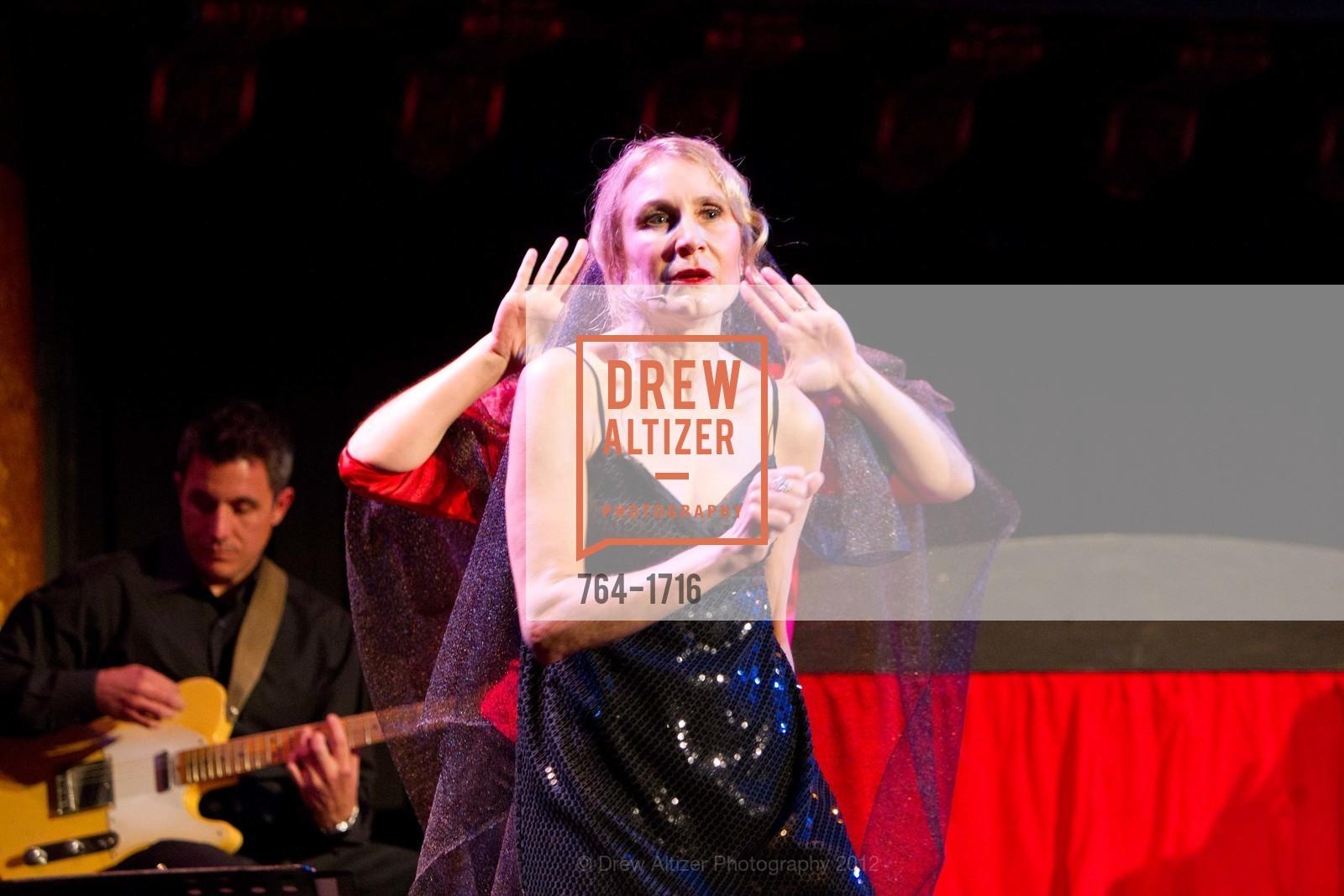 Performance, Photo #764-1716