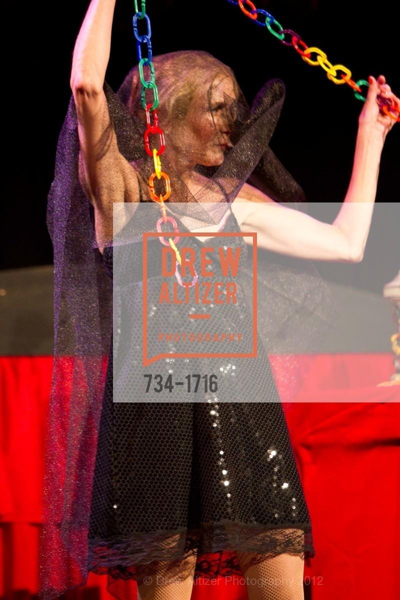 Performance, Photo #734-1716