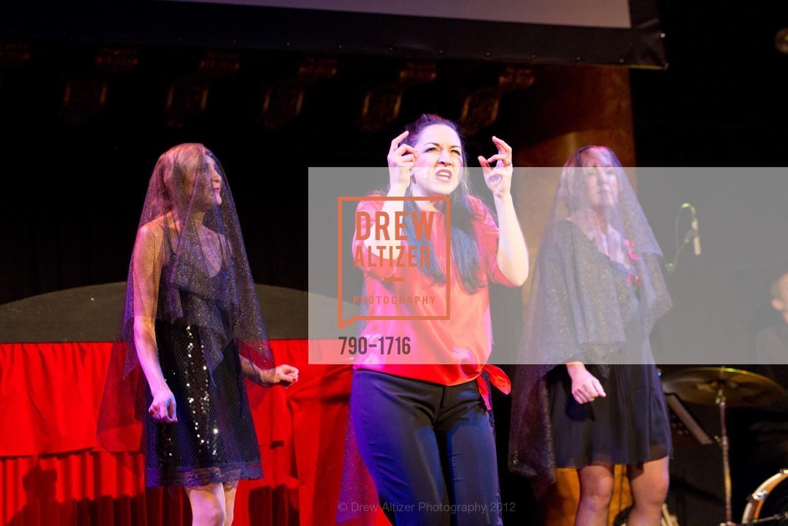 Performance, Photo #790-1716