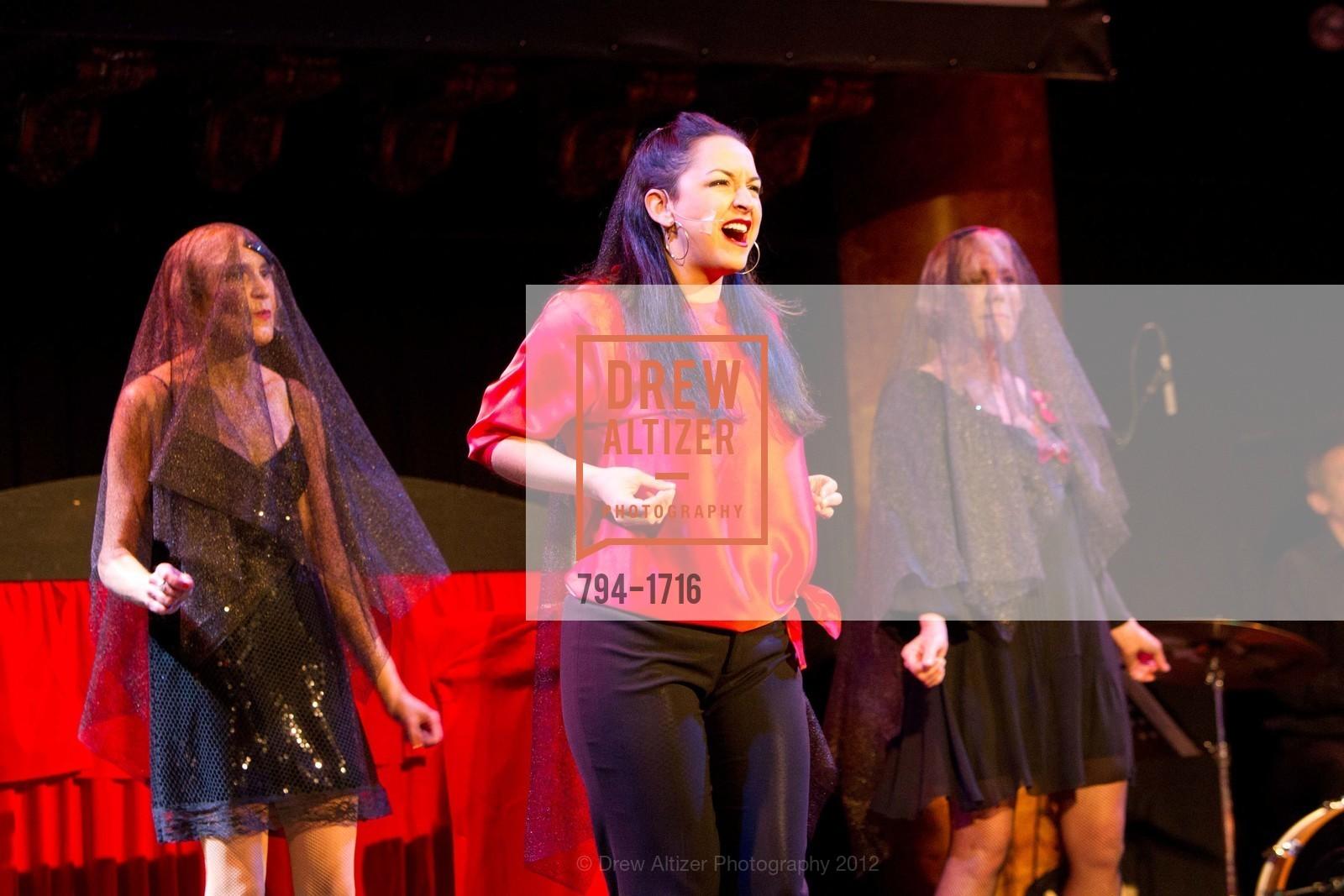 Performance, Photo #794-1716