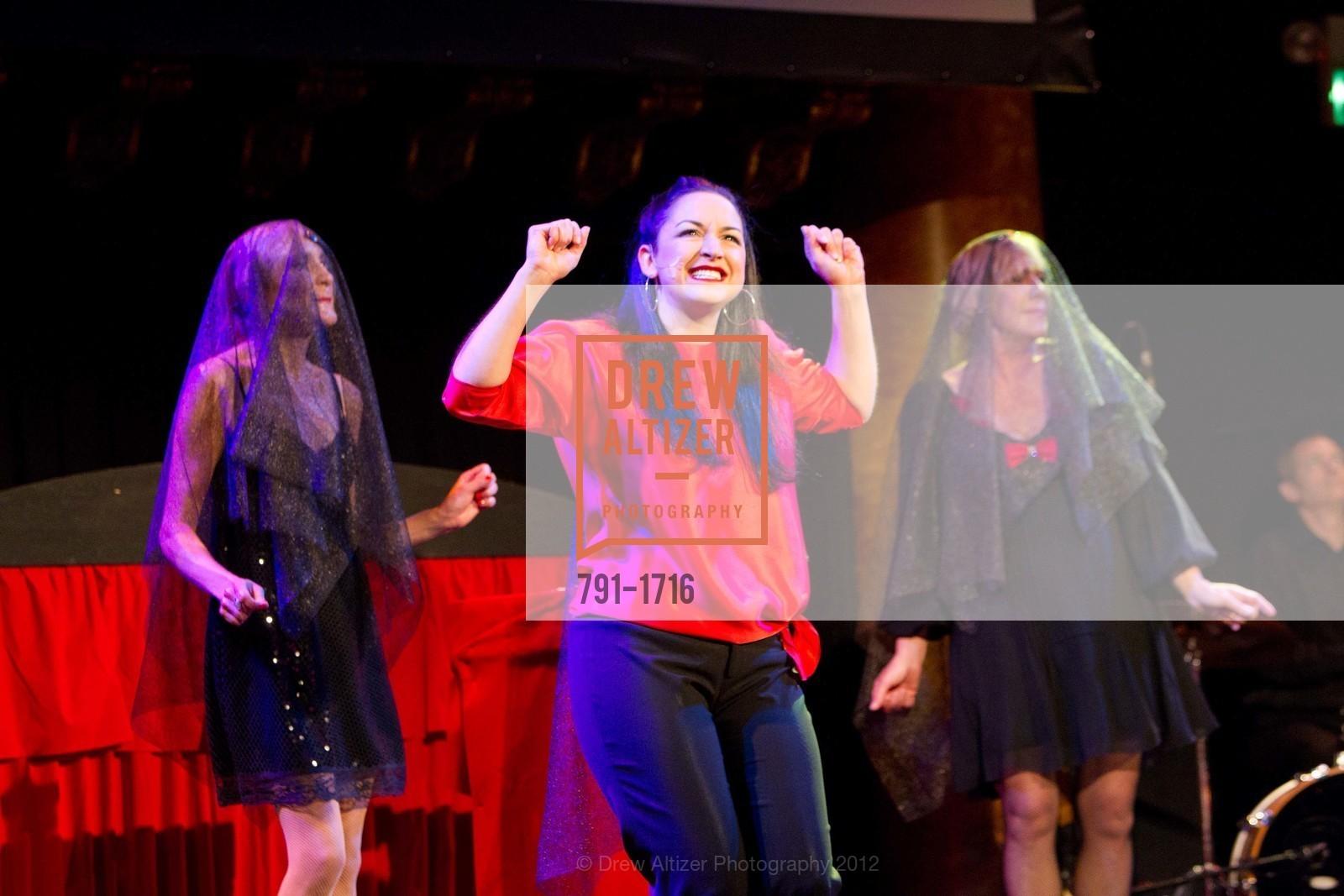 Performance, Photo #791-1716
