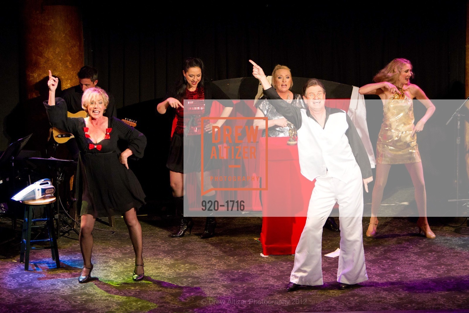 Performance, Photo #920-1716