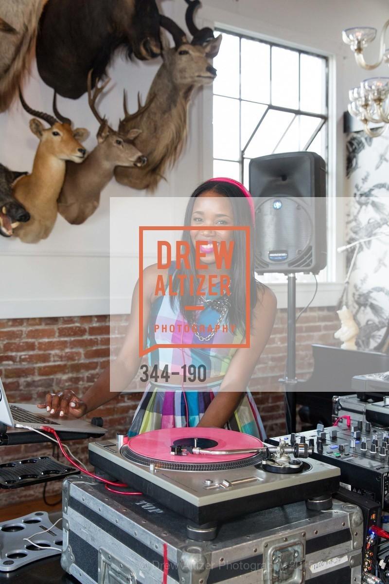 DJ Kiss, Photo #344-190