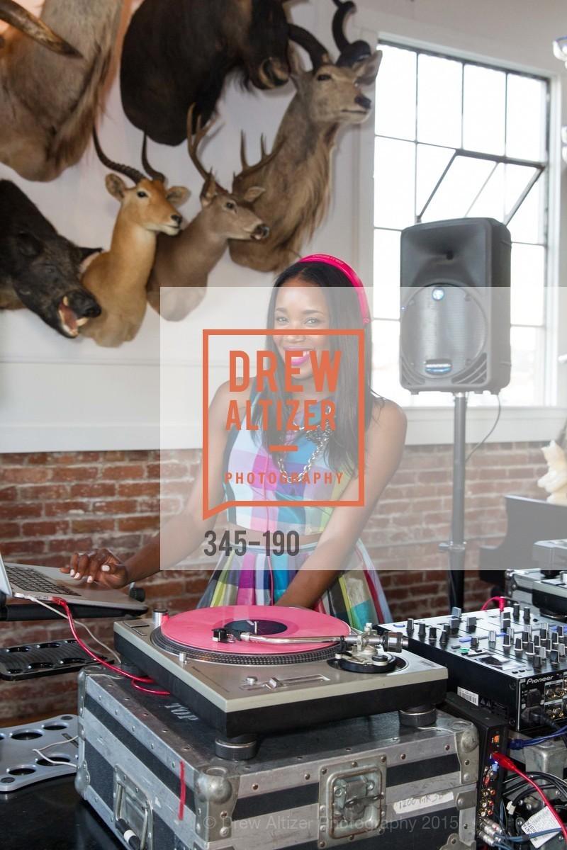 DJ Kiss, Photo #345-190