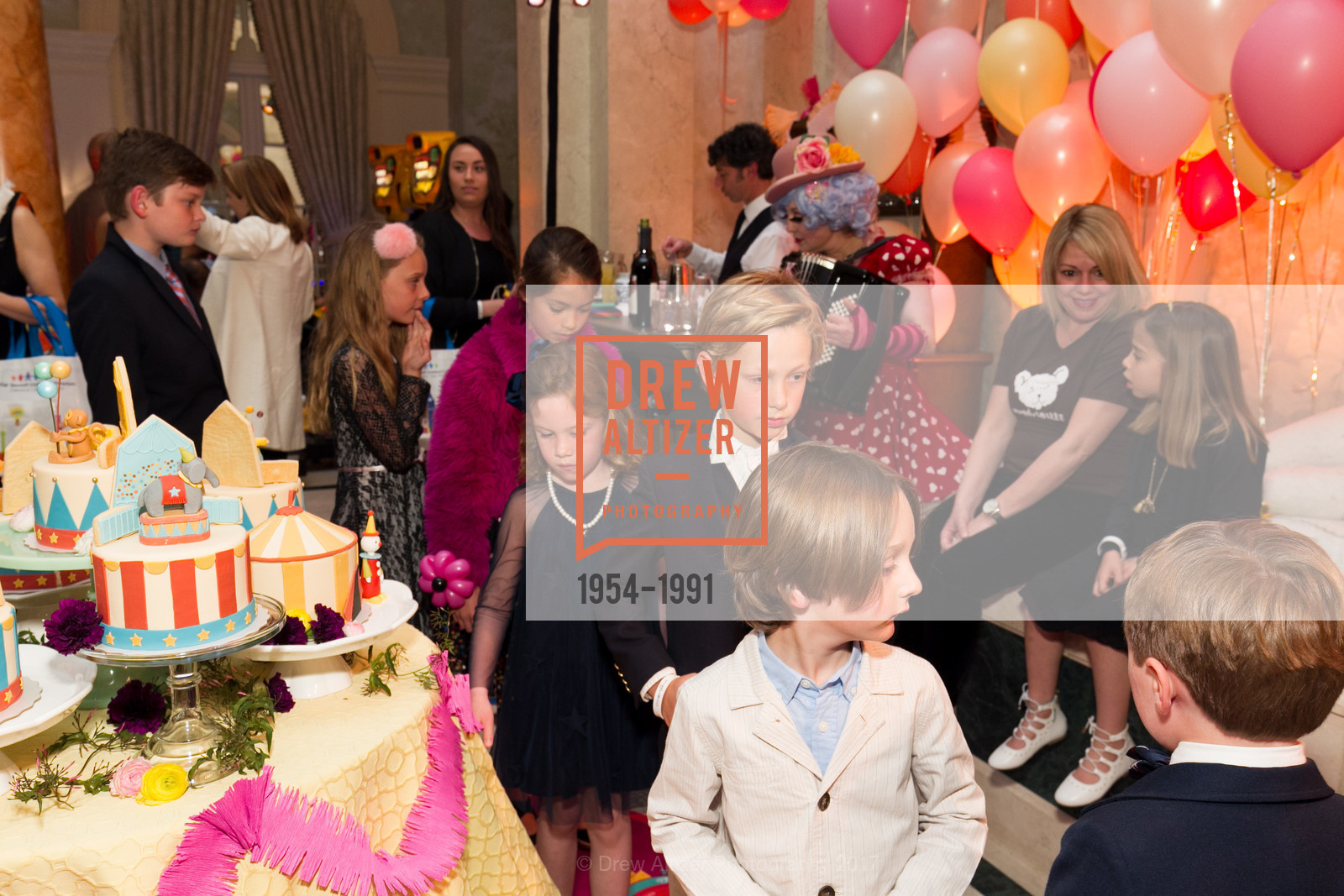 Atmosphere, Glogau Teddy Bear Rescue Fund Hosts The Snuggly Soiree, Private Residence, March 23rd, 2017