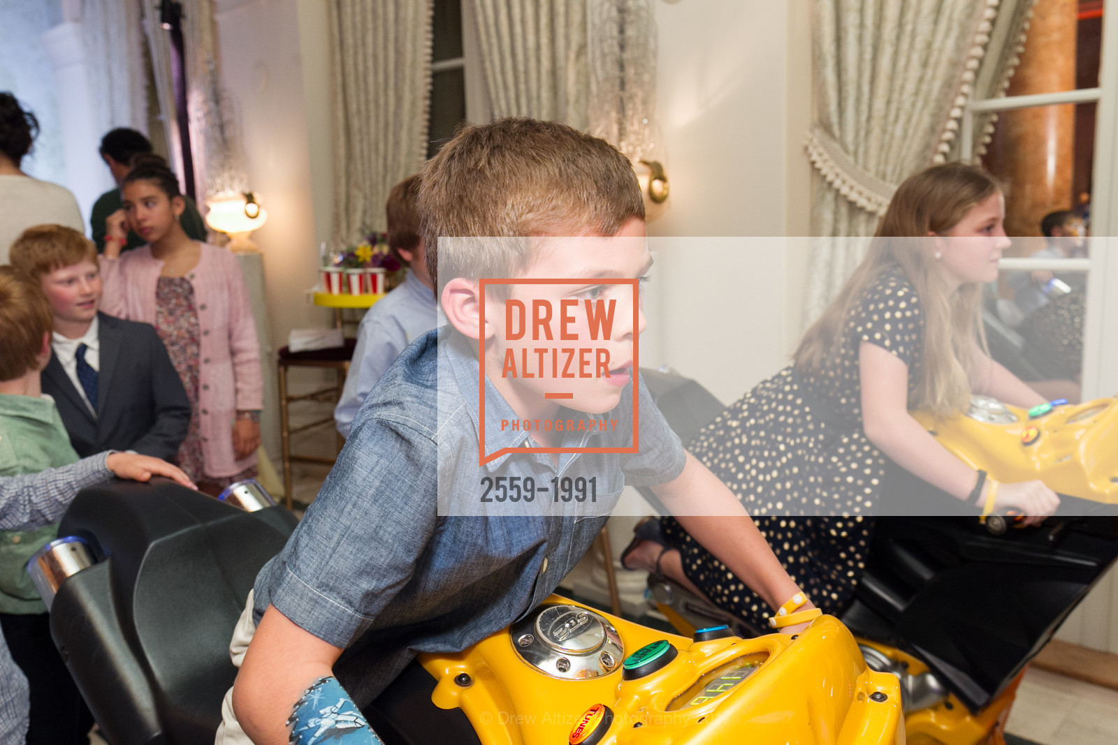 Extras, Glogau Teddy Bear Rescue Fund Hosts The Snuggly Soiree, March 23rd, 2017, Photo