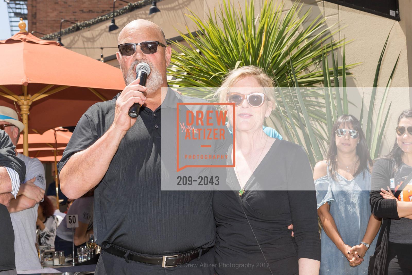 Pete Osborne, Janet Osborne, Photo #209-2043