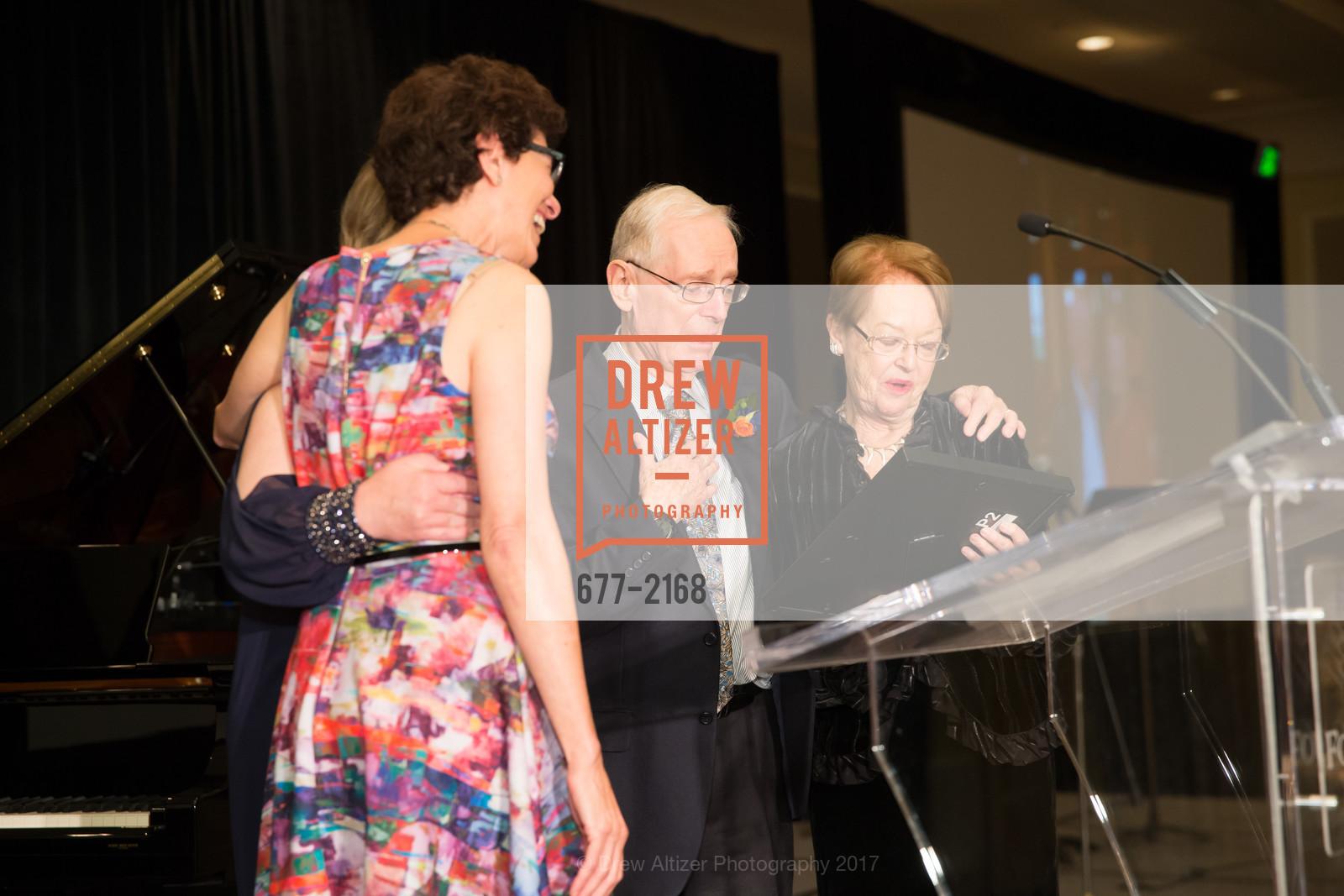 Barbara Kosnar, Richard Lee, Patricia Lee, Photo #677-2168
