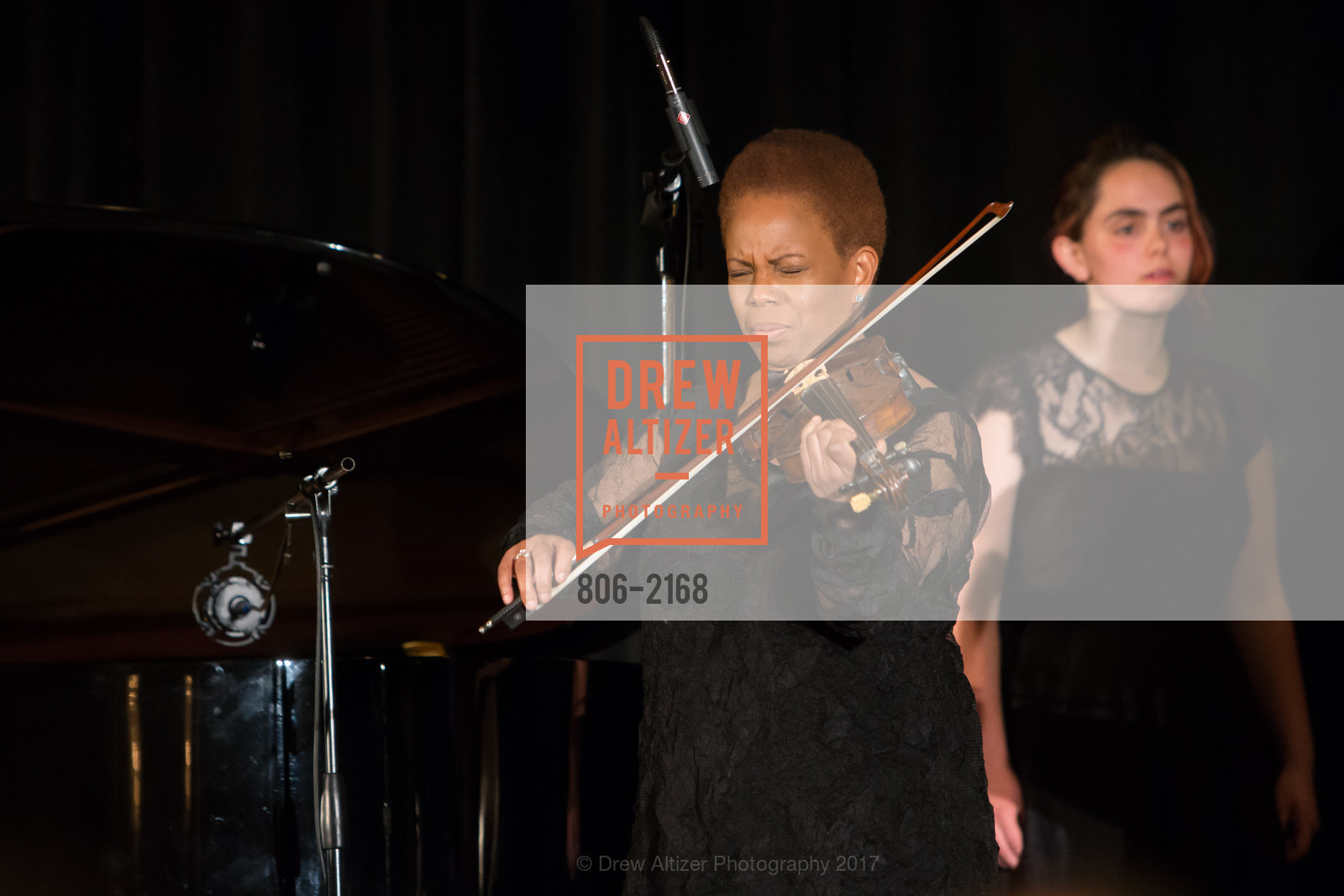 Performance, Photo #806-2168