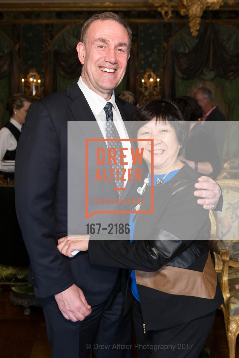 Gerry Roth, Debbie Chinn, Photo #167-2186