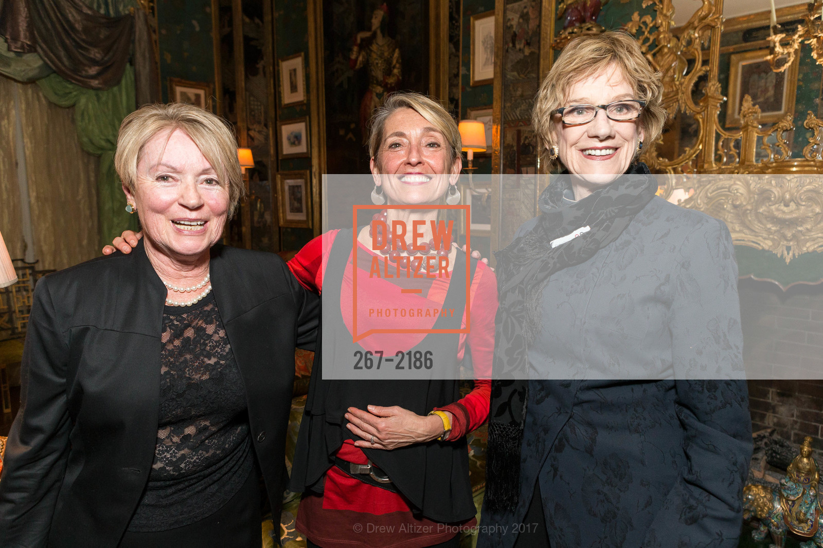Maria Dichov, Nicole Paiement, Alice Morisson, Photo #267-2186