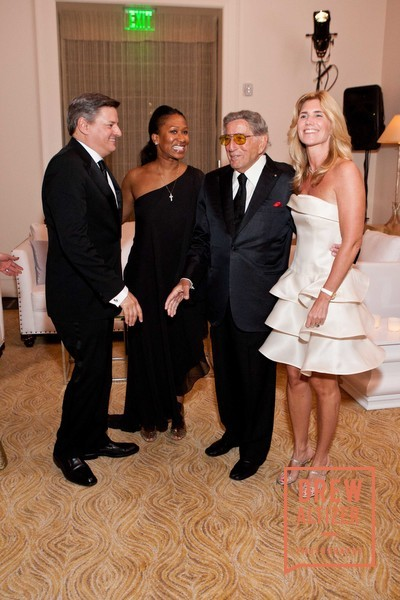 Ted Sarandos with Nicole Avant, Tony Bennett and Susan Benedetto