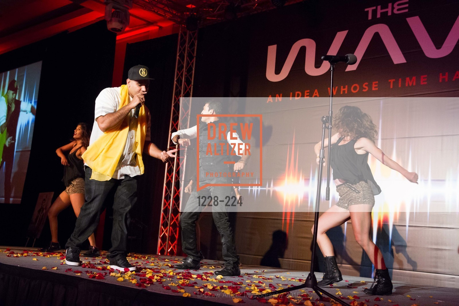 Performance, Life Chiropractic College West Presents The Wave, Hyatt Regency San Francisco Airport. 1333 Old Bayshore Hwy, August 8th, 2015,Drew Altizer, Drew Altizer Photography, full-service event agency, private events, San Francisco photographer, photographer California