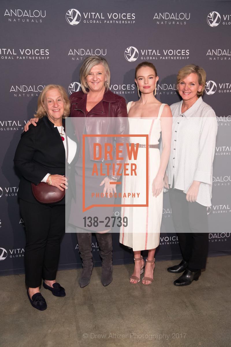 Mimi, Kathy O'Hearn, Kate Bosworth, Jennifer Granholm, Photo #138-2739