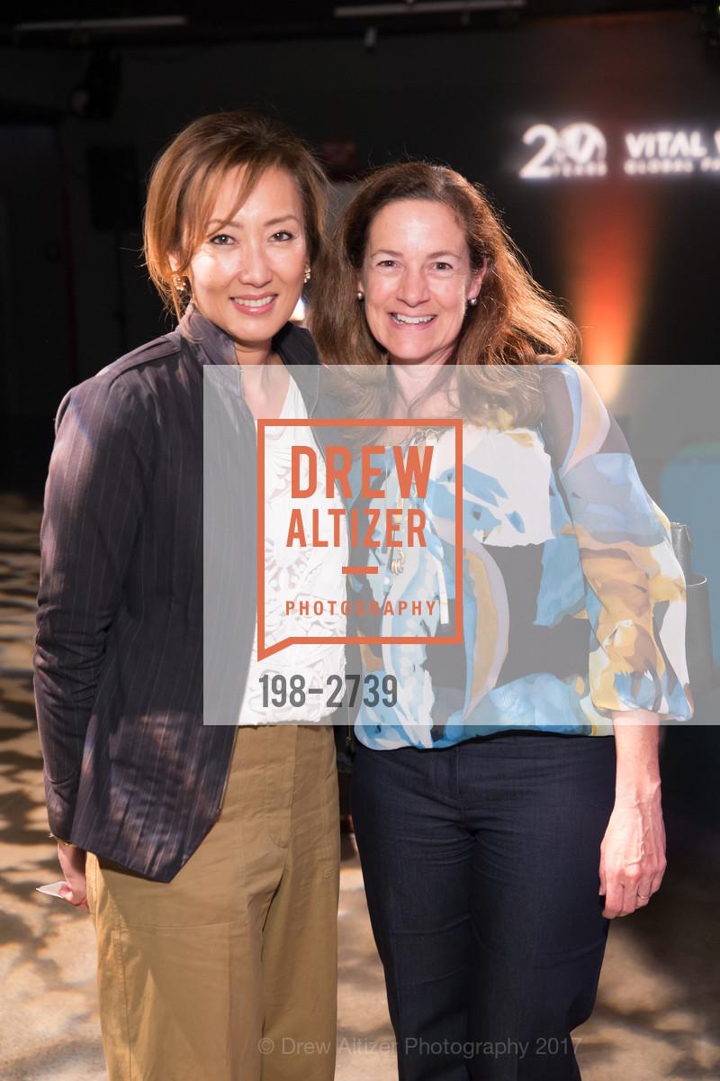 Sue Ten, Elisabeth Waymire, Photo #198-2739