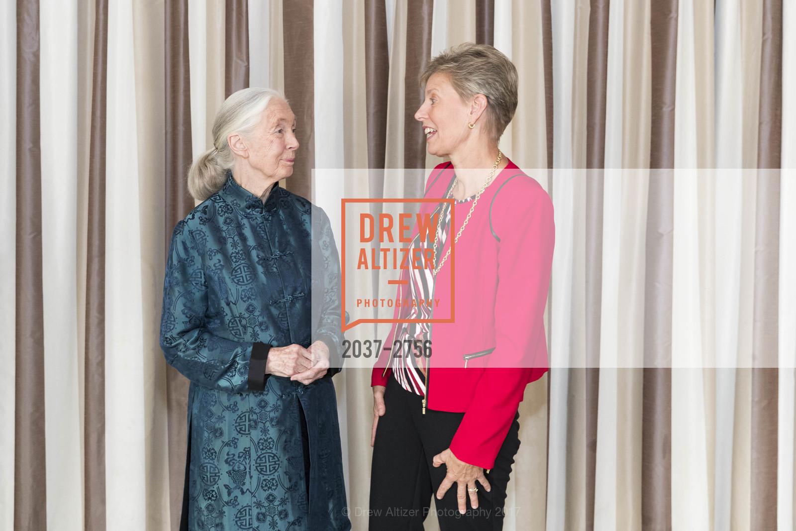 Jane Goodall, Beth Stevens, Photo #2037-2756