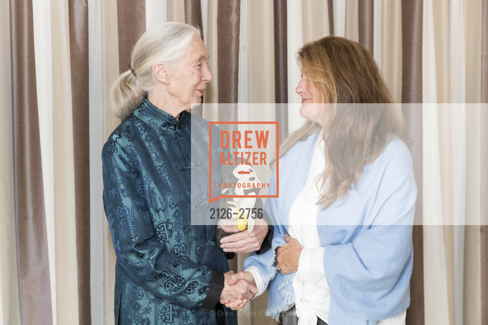 Jane Goodall, Elizabeth Nordlinger, Photo #2126-2756