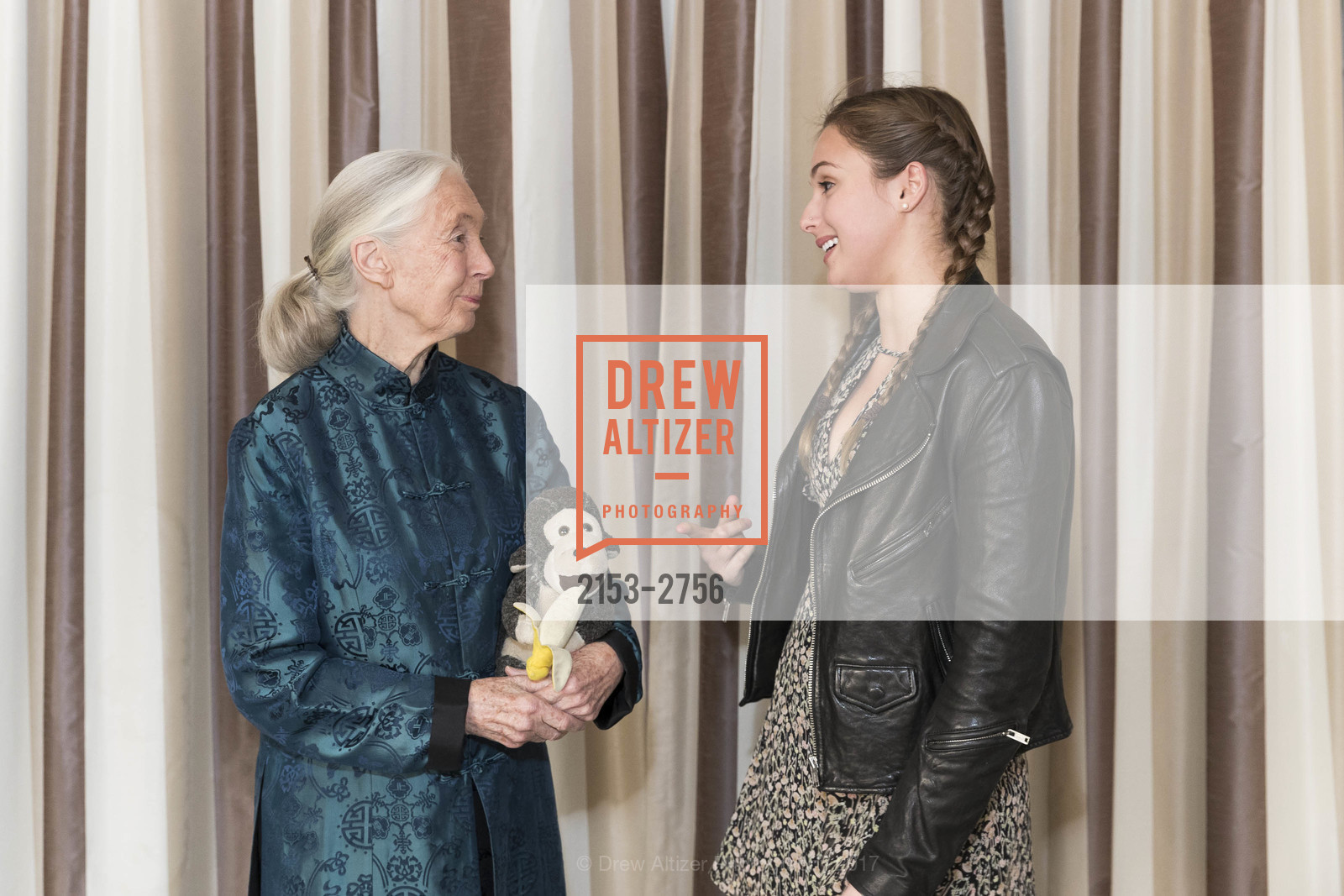 Jane Goodall, Lianna Nixon, Photo #2153-2756