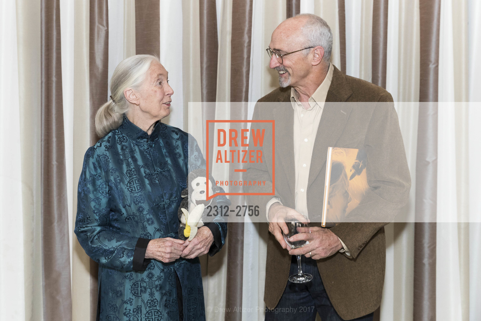 Jane Goodall, Todd Oppenheimer, Photo #2312-2756