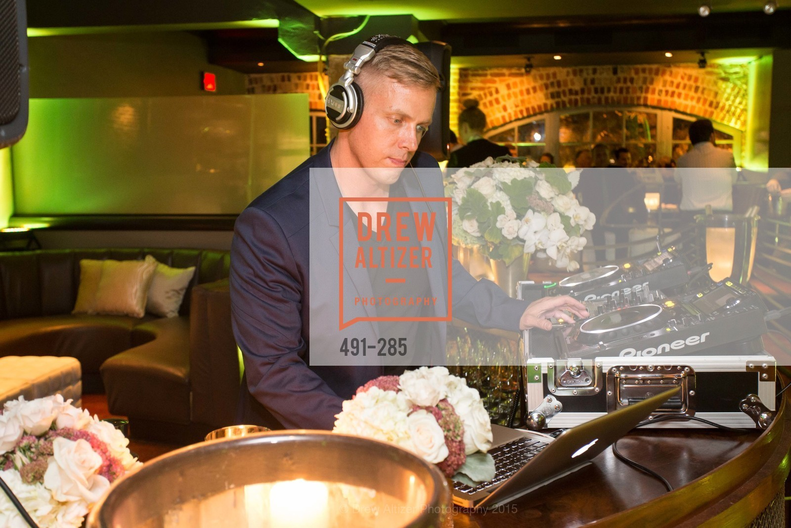Dj, San Francisco Opera's BRAVO! CLUB Opening Night Gala, War Memorial Opera House. 301 Van Ness Ave, September 11th, 2015,Drew Altizer, Drew Altizer Photography, full-service agency, private events, San Francisco photographer, photographer california