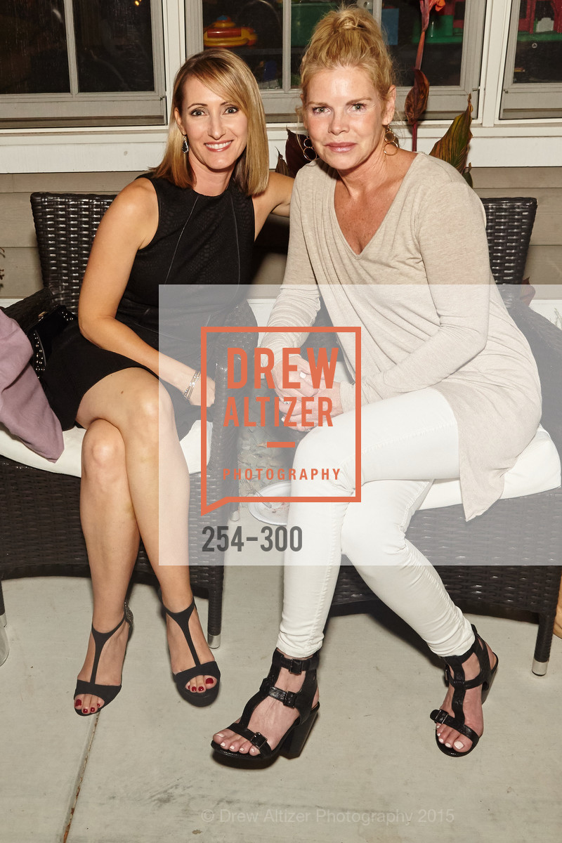 Melissa Schwartz, Laura Saunders, Breast Cancer Awareness Fund Presents This Old Bag Silicon Valley Preview Party, Private Residence, September 19th, 2015,Drew Altizer, Drew Altizer Photography, full-service agency, private events, San Francisco photographer, photographer california