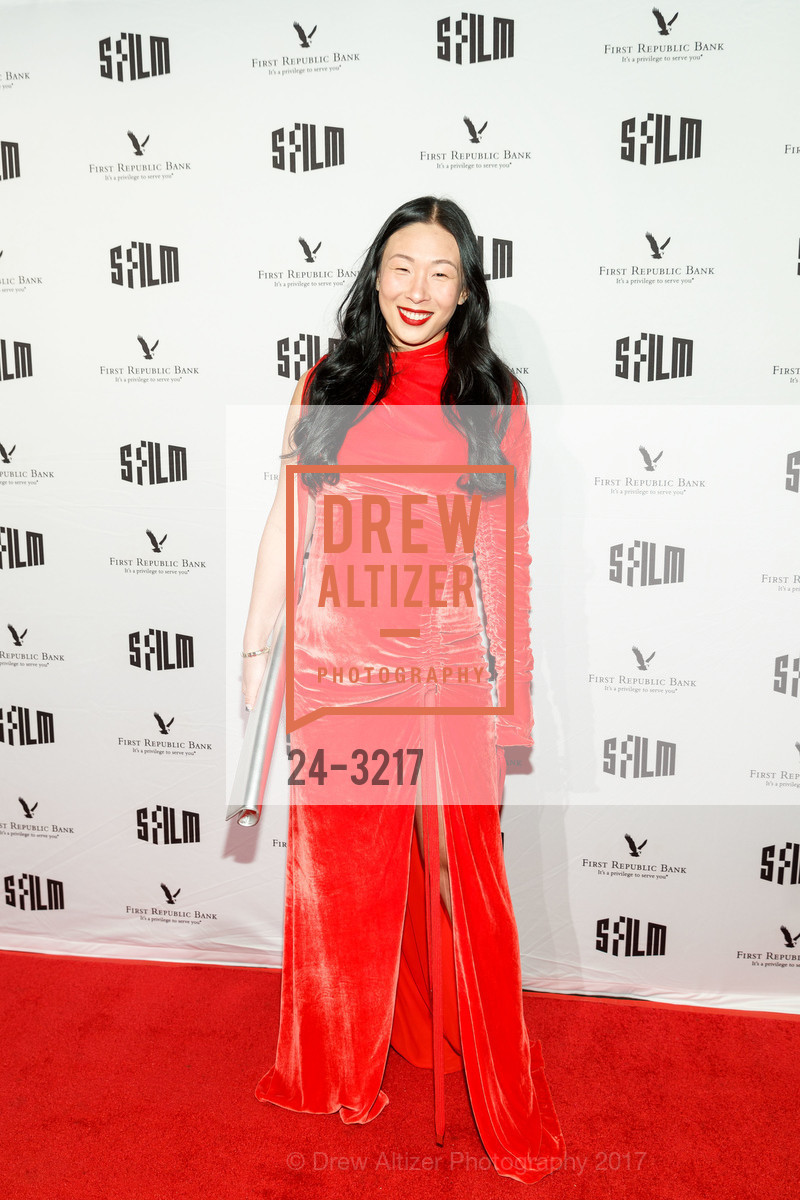 Sonya Yu, Photo #24-3217