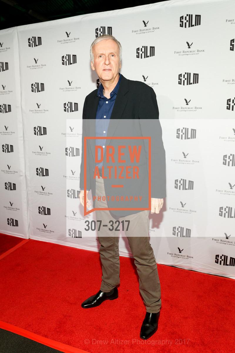 James Cameron, Photo #307-3217