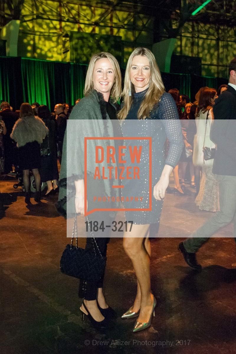 Tracey Brisbin, Sara Barker, Photo #1184-3217