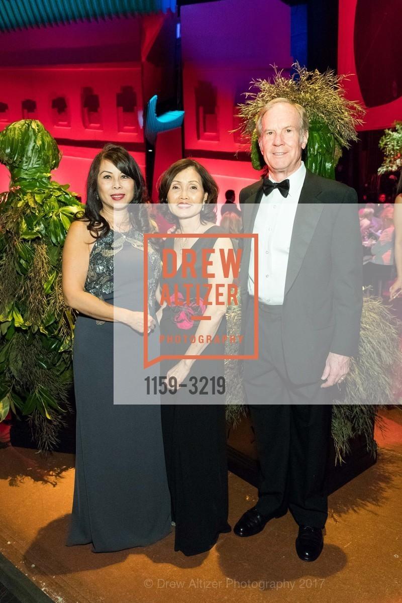Sharon Seto, Thao Dodson, Jerome Dodson, Photo #1159-3219