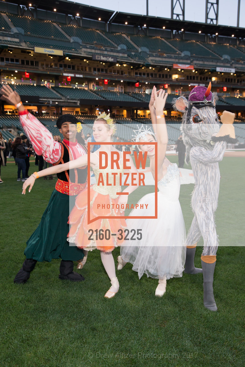 Dancers, Photo #2160-3225