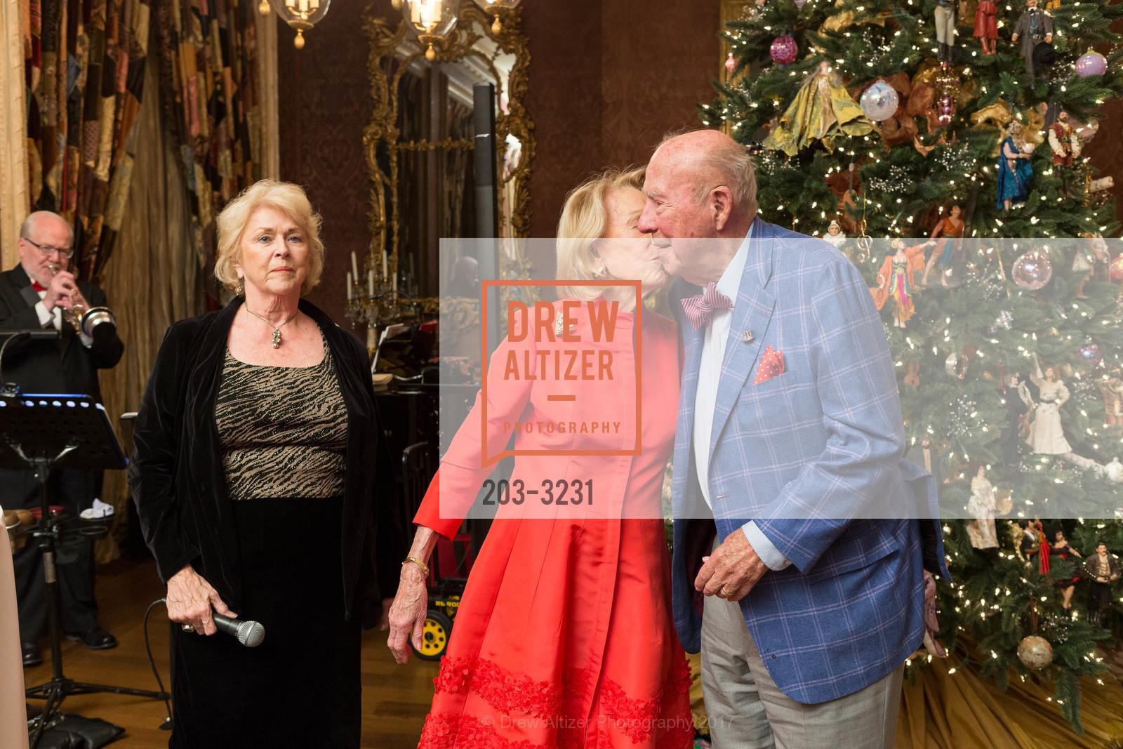 Marianne Kent, Charlotte Shultz, George Shultz, Photo #203-3231