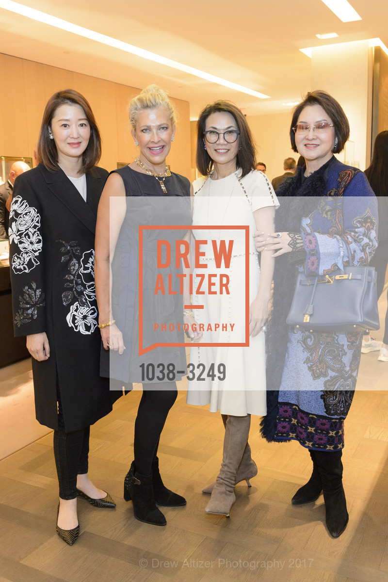 Tiffany Wang, Suzanna Jackson, Xiaojun Lee, Elaine Yang, Photo #1038-3249