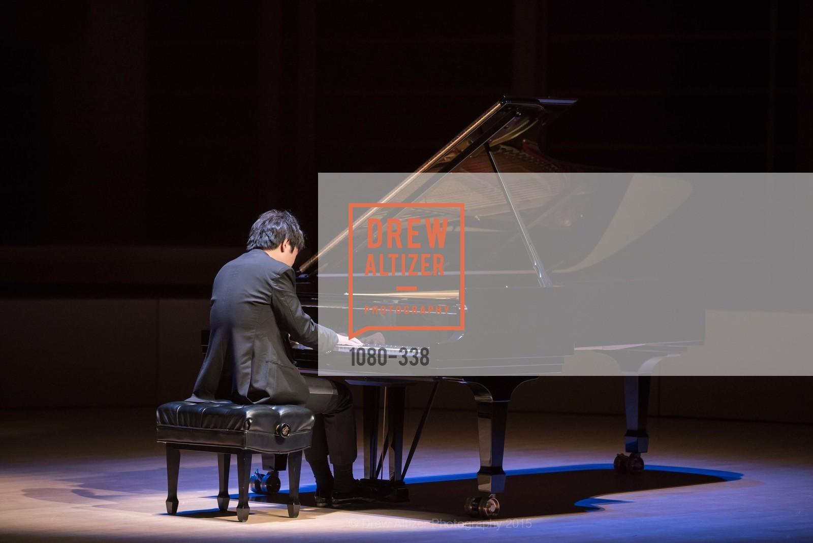 Performance, Photo #1080-338