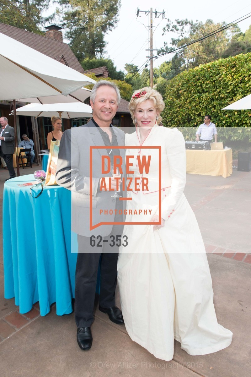 Nic Meredith, Jennifer MacCready, Mill Valley Film Festival Opening Night VIP Reception, Outdoor Art Club. 1 W Blithedale Ave, October 8th, 2015,Drew Altizer, Drew Altizer Photography, full-service event agency, private events, San Francisco photographer, photographer California
