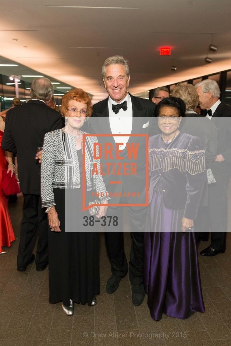 Phoebe Cowles, Paul Pelosi, Belva Davis, Tenth Anniversary Celebration of the New de Young  Museum, de Young Museum. 50 Hagiwara Tea Garden Dr, October 14th, 2015