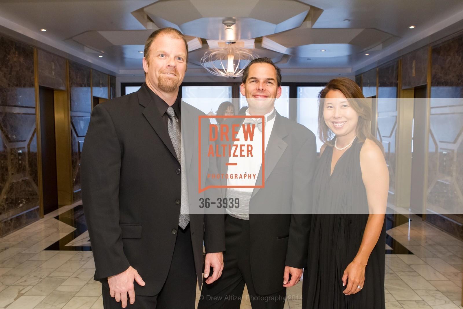 Brian Doherty, Zack Higgins, Yoshiko Higgins, Photo #36-3939