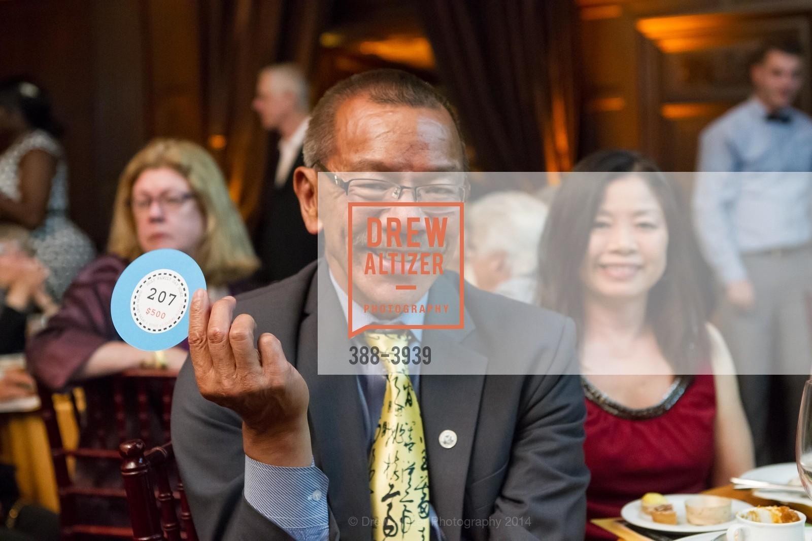 Supervisor Norman Yee, Kathy Yee, Photo #388-3939
