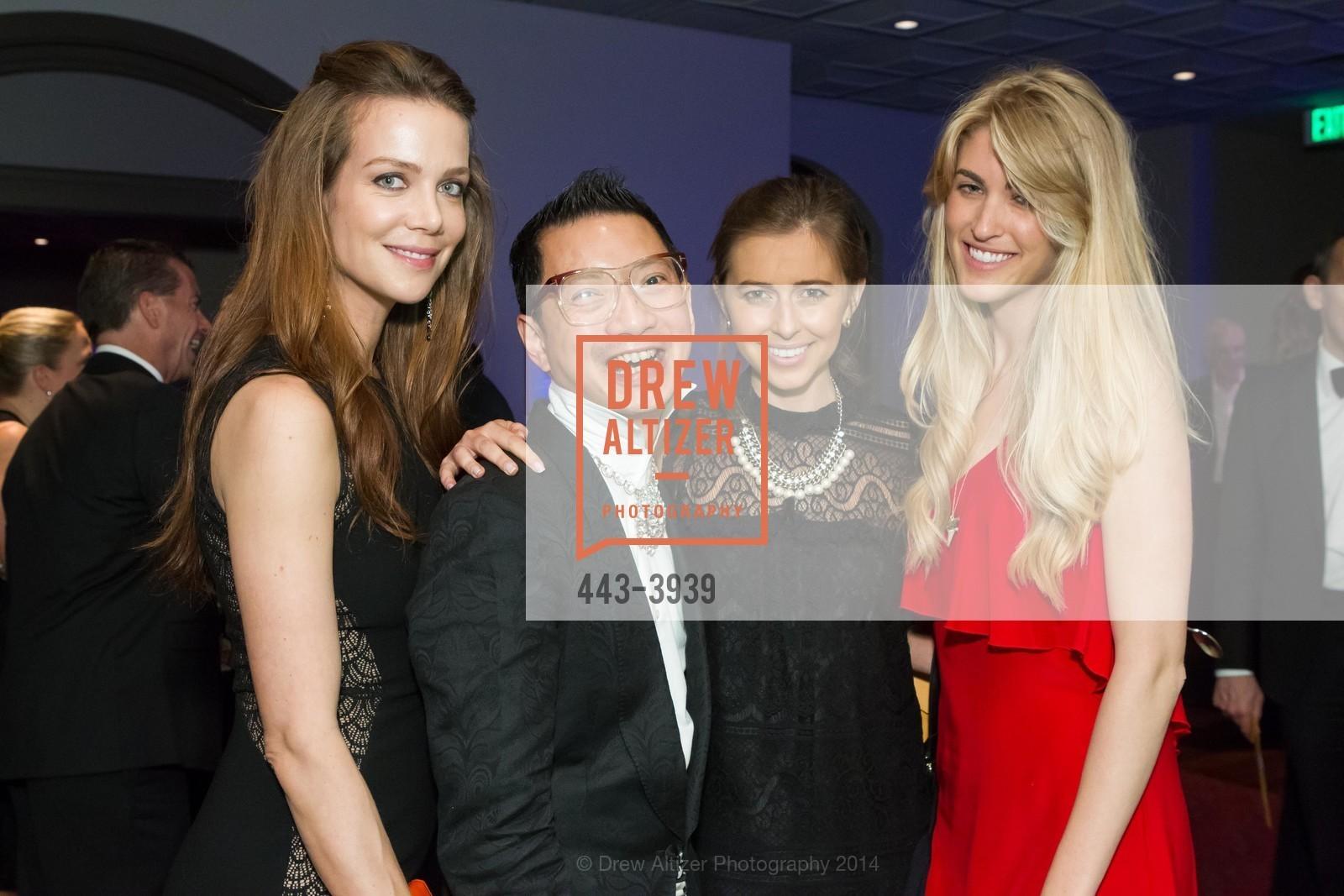 Rachel Sitz, Lorence Manansala, Michelle Barrett, Jen Kay, Photo #443-3939
