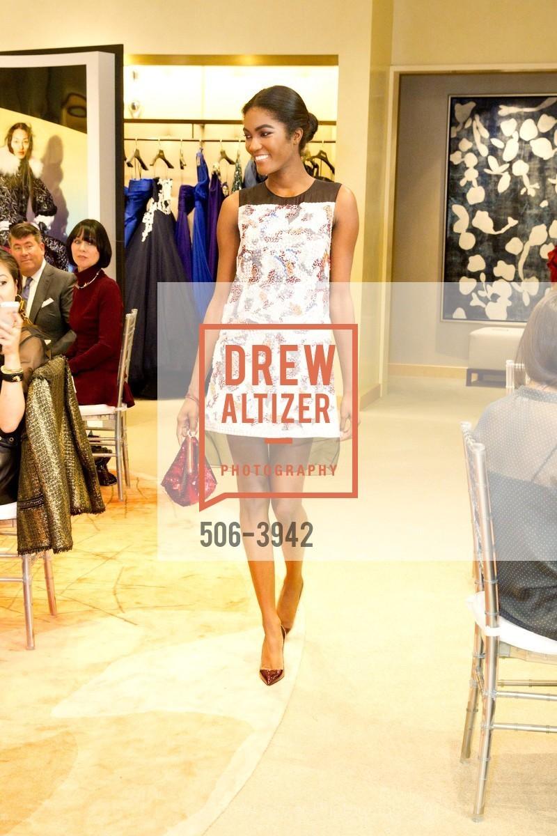 Fashion Show, Photo #506-3942