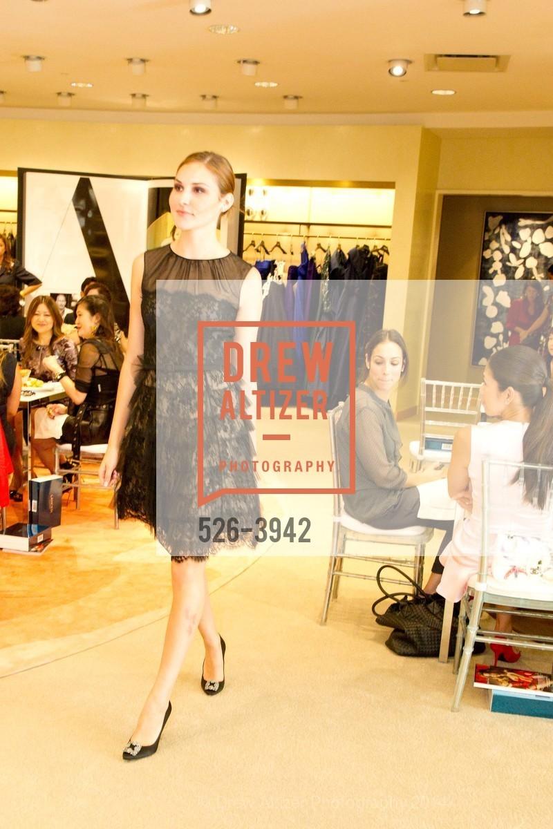 Fashion Show, Photo #526-3942