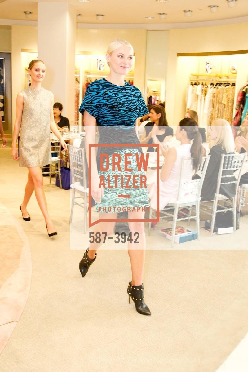 Fashion Show, Photo #587-3942
